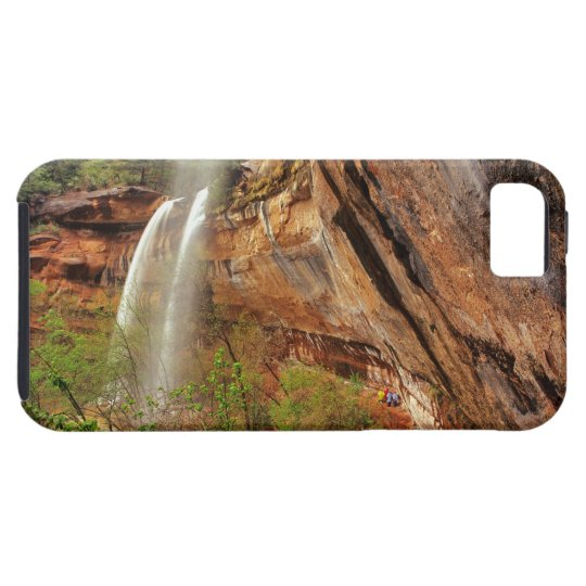 Hiking The Emerald Pools Trail in Zion National iPhone SE/5/5s Case