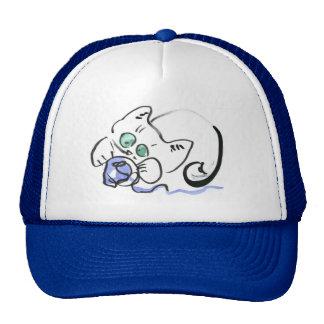 Hilado azul y gatito blanco gorros bordados