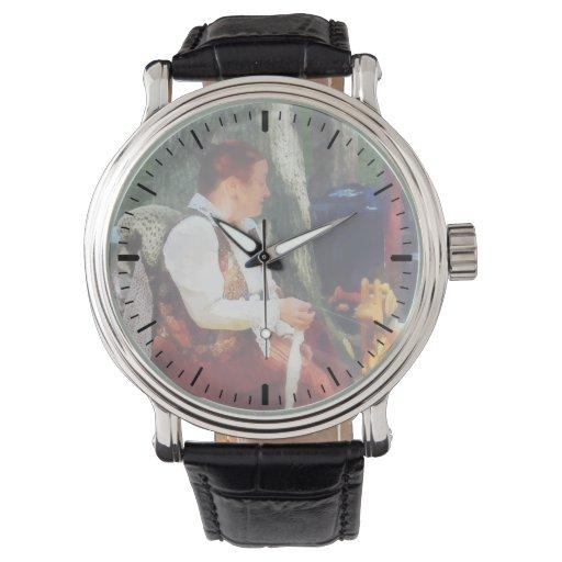 Hilado de giro de la mujer en el mercado de pulgas relojes de pulsera
