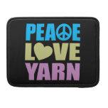 Hilado del amor de la paz fundas para macbooks