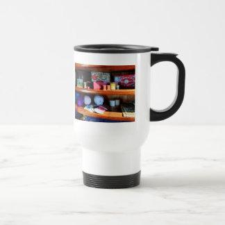 Hilado e hilo en tienda general taza térmica