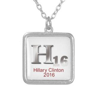 Hillary 2016 collar plateado
