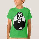 Hillary Clinton es la camiseta de un niño de