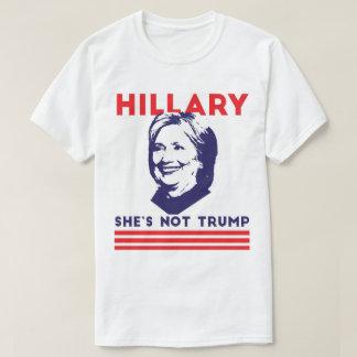 Hillary: Ella no es triunfo Playera
