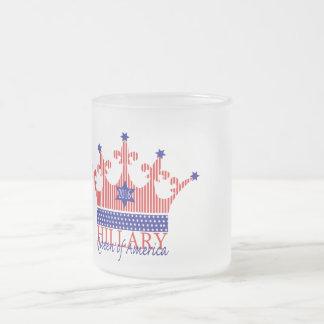 Hillary, reina de América Taza De Café Esmerilada