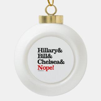 Hillary y Bill y Chelsea y Nope Adornos
