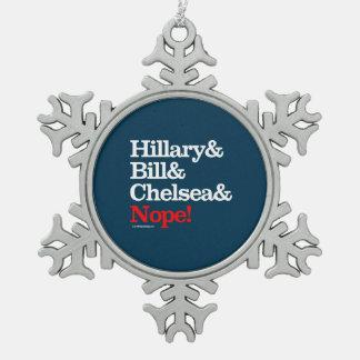 Hillary y Bill y Chelsea y Nope Adorno