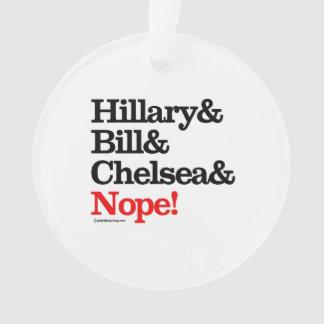 Hillary y Bill y Chelsea y Nope