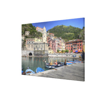 Hillside town of Vernazza, Cinque Terre, Liguria Canvas Print