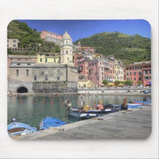 Hillside town of Vernazza, Cinque Terre, Liguria Mouse Pad