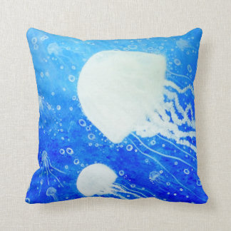 Him Voyage de Neptune Pillows