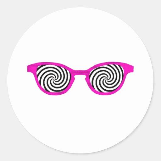 Hipnotice el borde magenta de las gafas de sol el pegatina redonda