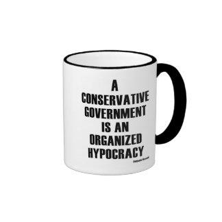 Hipocresía conservadora del gobierno taza de dos colores