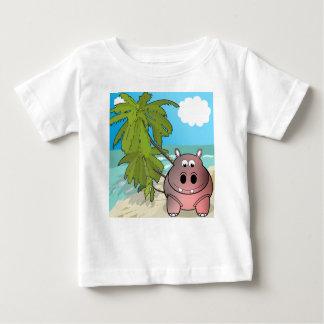 Hipopótamo del dibujo animado en la camiseta del remeras