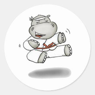 Hipopótamo del karate pegatina redonda