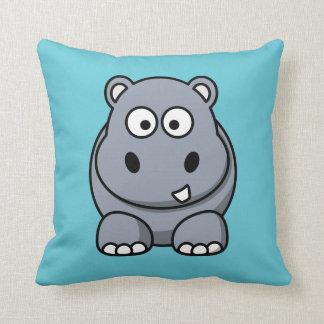 Hipopótamo en un fondo de la aguamarina almohada