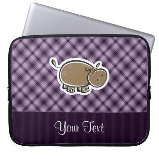 Hipopótamo lindo; Púrpura Funda Portátil