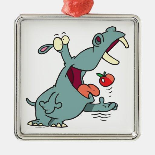 hipopótamo lindo que come el dibujo animado de la adorno cuadrado plateado
