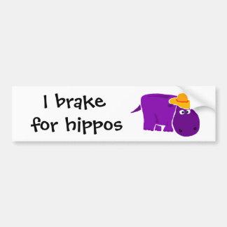Hipopótamo púrpura divertido que lleva el gorra am pegatina para auto