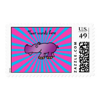 Hipopótamo púrpura en resplandor solar rosado envio
