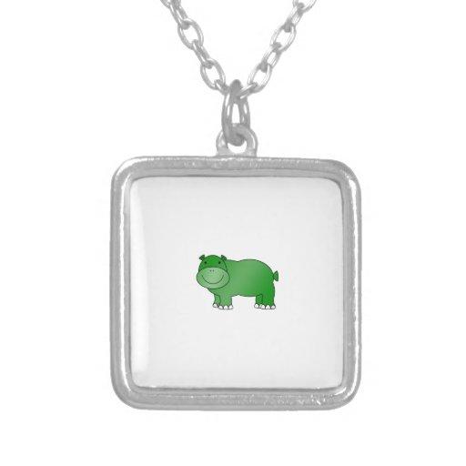 Hipopótamo verde lindo colgante cuadrado