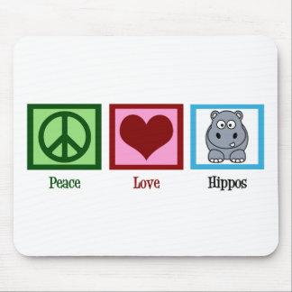 Hipopótamos del amor de la paz alfombrillas de ratón