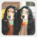 Hippie de Halloween del golden retriever Pegatina Cuadrada