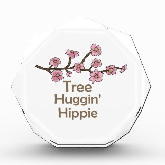 HIPPIE DEL ÁRBOL HUGGIN