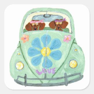 Hippies del Dachshund en su móvil del amor de la Pegatina Cuadrada