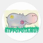 Hippopotamus amistoso del niño pegatinas redondas