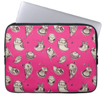 Hipster cute owls pattern in hot pink computer sleeve
