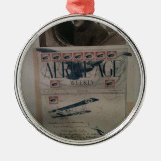 Historia de la aviación de la letra del vintage adorno redondo plateado