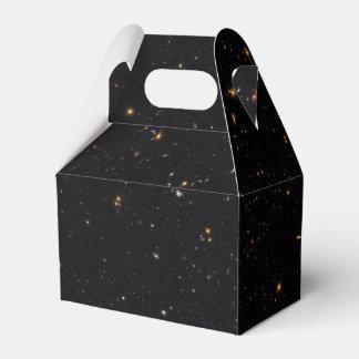 Historia de la galaxia reveladora por el Hubble Cajas Para Regalos