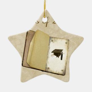 Historia de la graduación, del casquillo de la adorno navideño de cerámica en forma de estrella