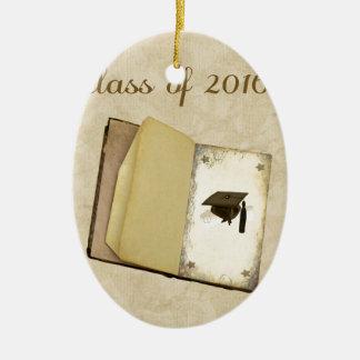 Historia de la graduación, del casquillo de la adorno navideño ovalado de cerámica