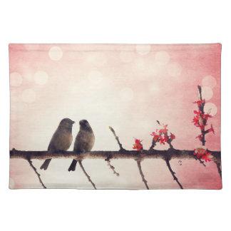 Historia de los pájaros del amor mantel