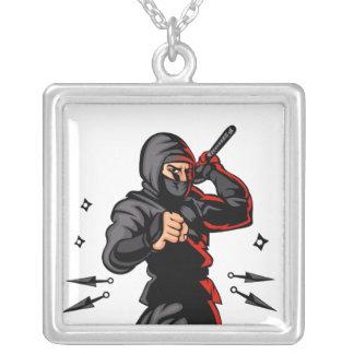 historieta negra del ninja colgante cuadrado