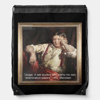 HL de Mencken y cita en la mochila de los jueces