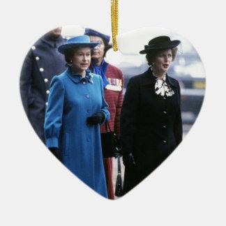 HM reina Elizabeth Ii-Margaret Thatcher Adorno Navideño De Cerámica En Forma De Corazón