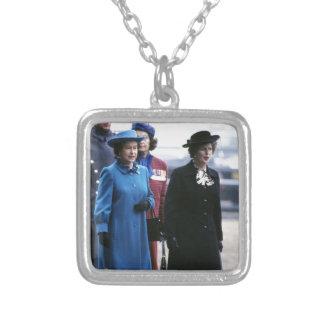 HM reina Elizabeth Ii-Margaret Thatcher Colgante Cuadrado