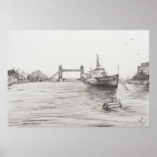 HMS Belfast en el río Támesis London.2006 Póster
