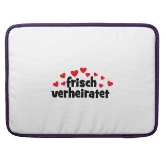 HOCHZEIT MacBook PRO SLEEVES