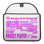 Hockey de los chicas: Jugador de hockey más grande Funda Macbook Pro