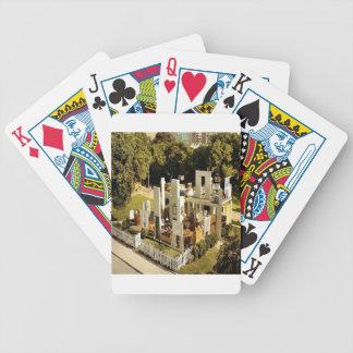 Hogar abierto de la ciudad abstracta barajas de cartas