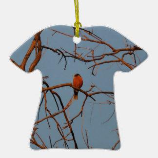 Hogar americano del petirrojo al gallinero adorno de cerámica en forma de camiseta