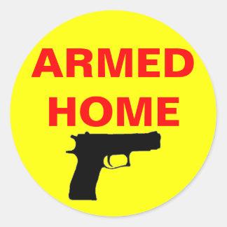 Hogar armado de la seguridad pegatina redonda