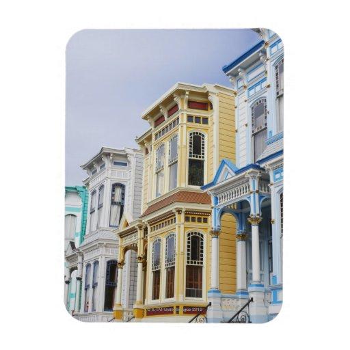 hogar colorido del Victorian en distrito de la mis Imán