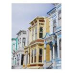 hogar colorido del Victorian en distrito de la mis Tarjeta Postal
