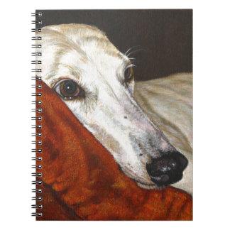 Hogar en el perro pasado del galgo spiral notebook