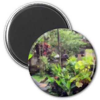 Hogar en medio del verdor imán redondo 5 cm